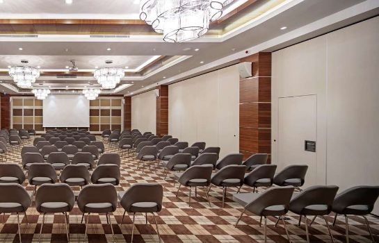 Conference room DoubleTree by Hilton Kusadasi