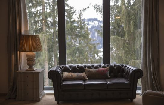 Recepcja Rinderberg Swiss Alpine Lodge