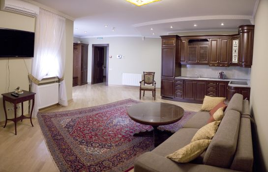 Junior Suite British Club Lviv