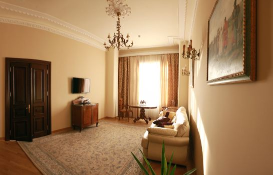 Suite British Club Lviv