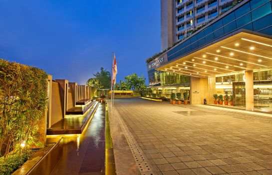 Exterior view Crowne Plaza AHMEDABAD CITY CENTRE