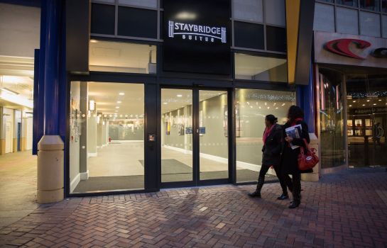Exterior view Staybridge Suites BIRMINGHAM