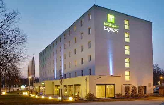 Buitenaanzicht Holiday Inn Express NEUNKIRCHEN