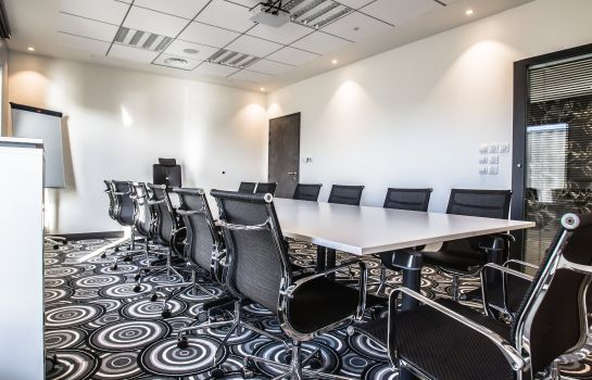 Conference room Holiday Inn Express DIJON