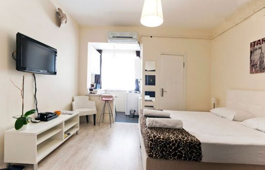 Double room (standard) Adonis House Taksim