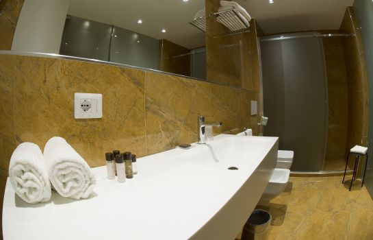 Badezimmer Catania International Airport Hotel