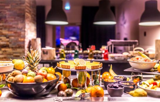 Breakfast buffet Le Grand Aigle Hotel & Spa