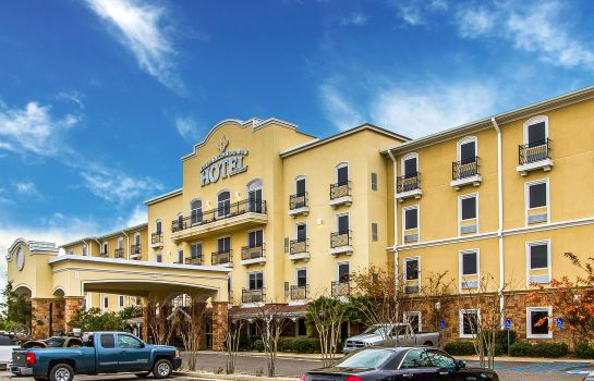 Buitenaanzicht an Ascend Hotel Collection Member Evangeline Downs Hotel