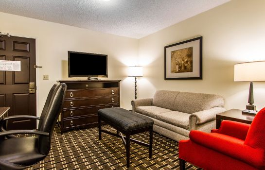 Suite an Ascend Hotel Collection Member Evangeline Downs Hotel