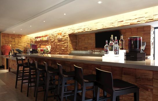 Hotel bar Embassy Suites by Hilton Baltimore Inner Harbor