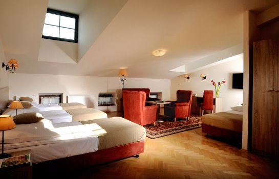 Four-bed room Santi