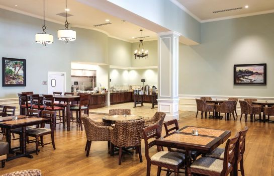 Restaurant Embassy Suites by Hilton Savannah