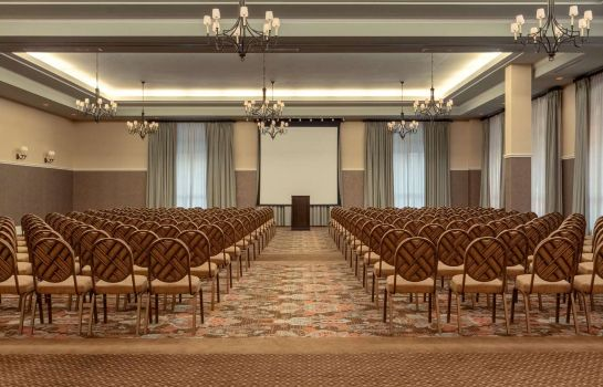Conference room Embassy Suites by Hilton Savannah