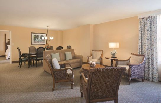 Zimmer Embassy Suites by Hilton Savannah