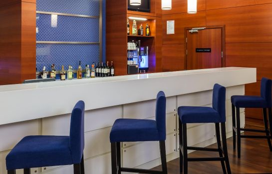 Bar hotelowy Hampton by Hilton Warsaw Airport