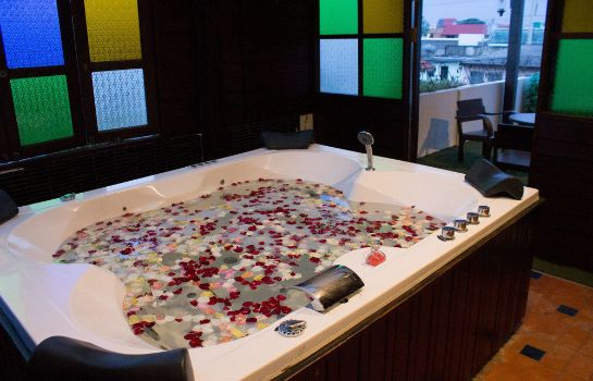 Whirlpool Singha Montra Lanna Boutique Style Hotel