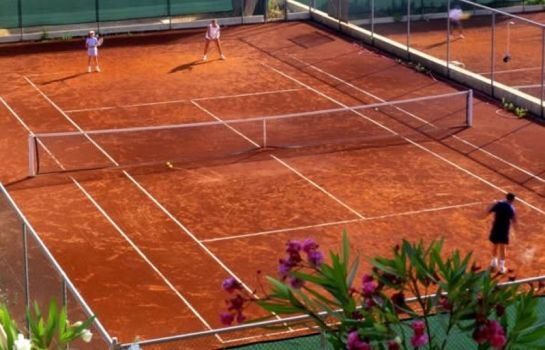 Campo da tennis Greenlife Golf Club Apartamentos