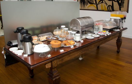 Breakfast buffet Colonial Chile Pousada