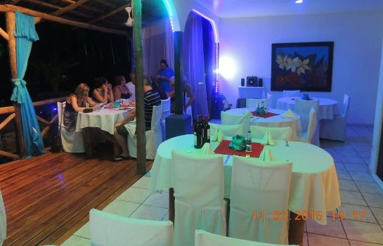 Restaurante Cocomar Beachfront Hotel and Island Resort