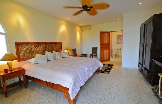 Suite Cocomar Beachfront Hotel and Island Resort