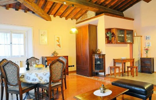 Vista all'interno Sani Tourist House