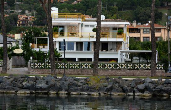 Awesome La Terrazza Sul Lago Trevignano Contemporary - House Design ...