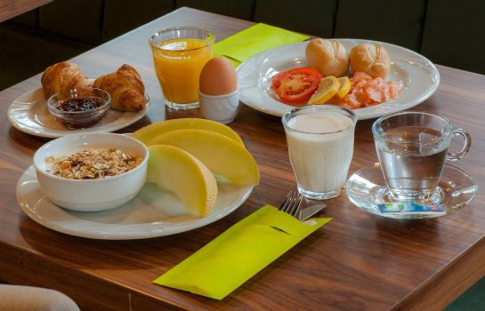 Buffet prima colazione Grand Hotel Downtown