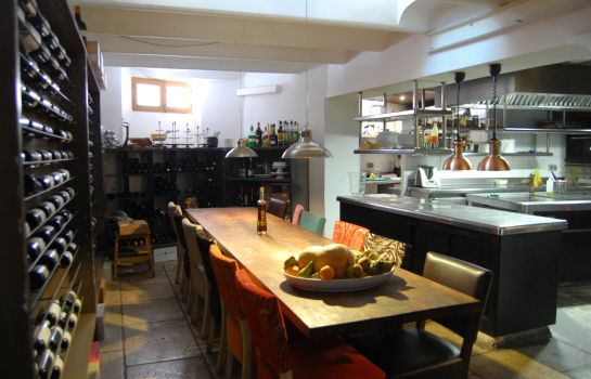 Hotel kitchen Forn Nou