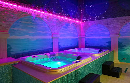 Jaccuzi Forum Fitness Spa & Wellness