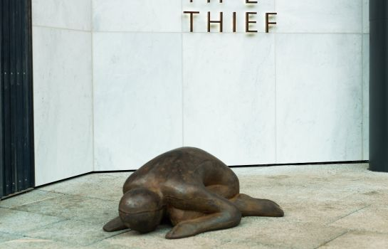 Exterior view THE THIEF
