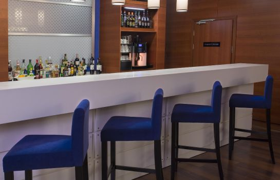 Bar hotelowy Hampton By Hilton Gdansk Airport