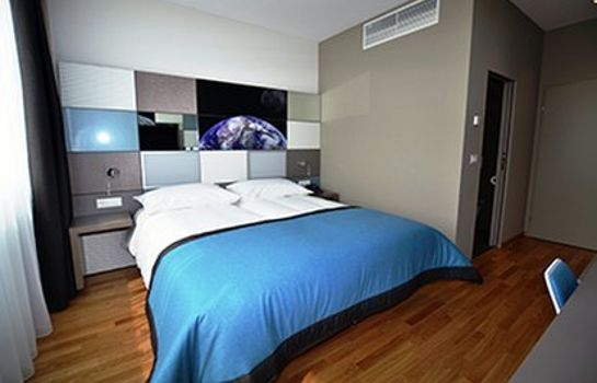 Zimmer Discovery Hotel