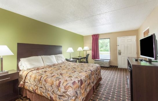 Standard room KNIGHTS INN LENOIR CITY TN