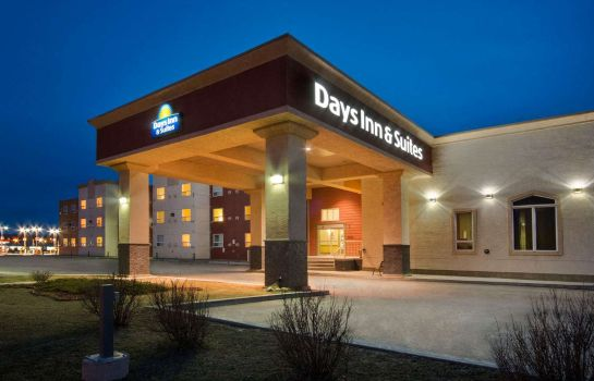 Buitenaanzicht DAYS INN AND SUITES WHITECOURT