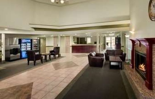 Vestíbulo del hotel DAYS INN & SUITES WHITECOURT
