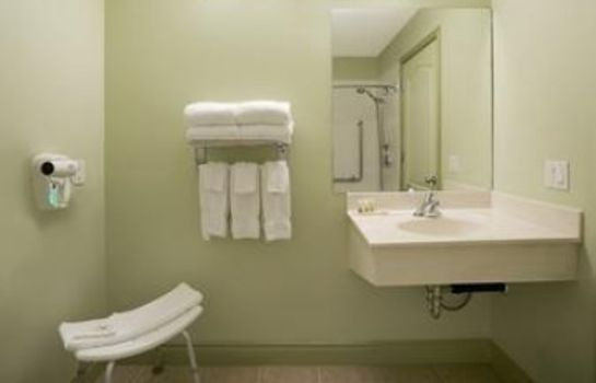 Habitación DAYS INN AND SUITES WHITECOURT