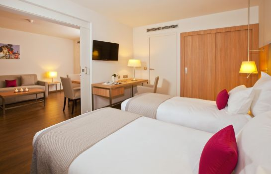 Suite Junior Residhome Roissy Park