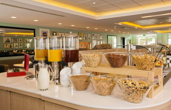 Ontbijtbuffet Residhome Roissy Park