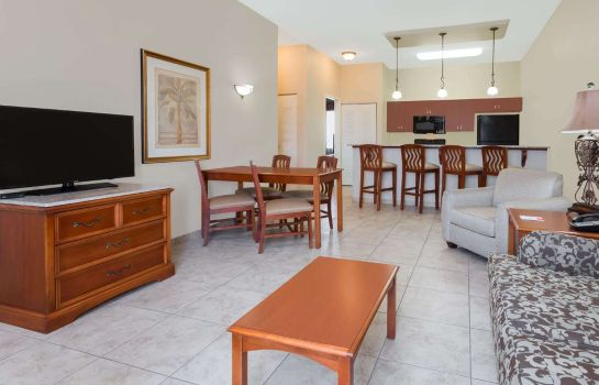 Suite Clarion Inn Ormond Beach at Destination Daytona