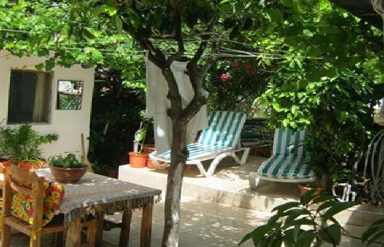 Bar hotelowy Ferah Pension Monica's Place