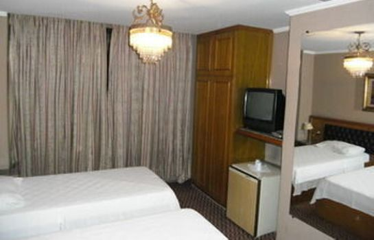 Standardzimmer La Guardia Hotel