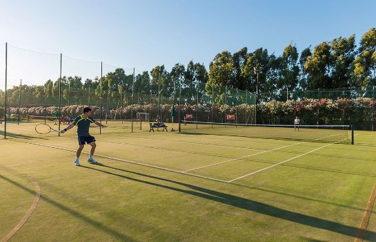 Tennis court Club Hotel Marina Beach