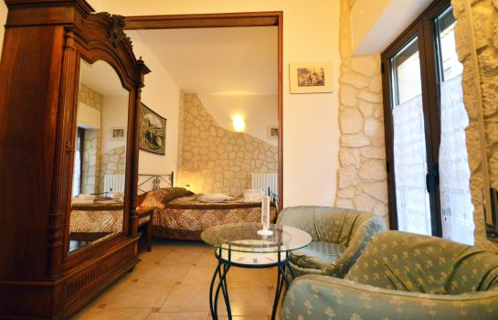 Chambre double (confort) Proserpina Bed & Breakfast