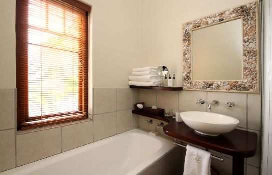 Bagno in camera Lavender Manor Guest Lodge