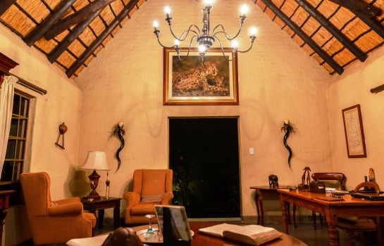 Empfang Shikwari Bush Lodge & Pangolin Bush Camp