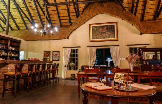 Restaurant Shikwari Bush Lodge & Pangolin Bush Camp
