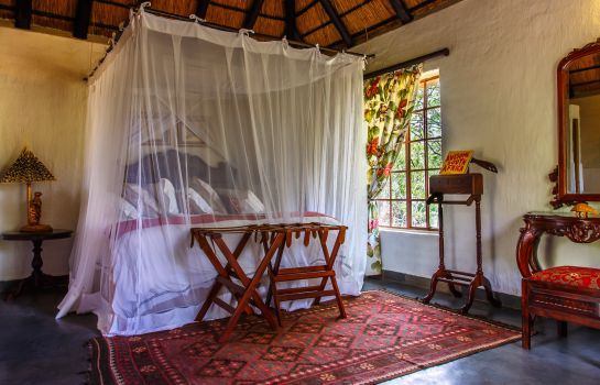 Suite Shikwari Bush Lodge & Pangolin Bush Camp