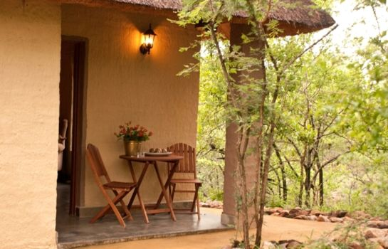 Doppelzimmer Komfort Shikwari Bush Lodge & Pangolin Bush Camp