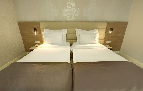 Single room (superior) Hotel Srbija Garden Ex Garni
