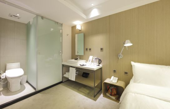 Double room (standard) Hotelday Plus  Taichung